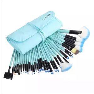 Other - 32 pcs Makeup Brushes Set